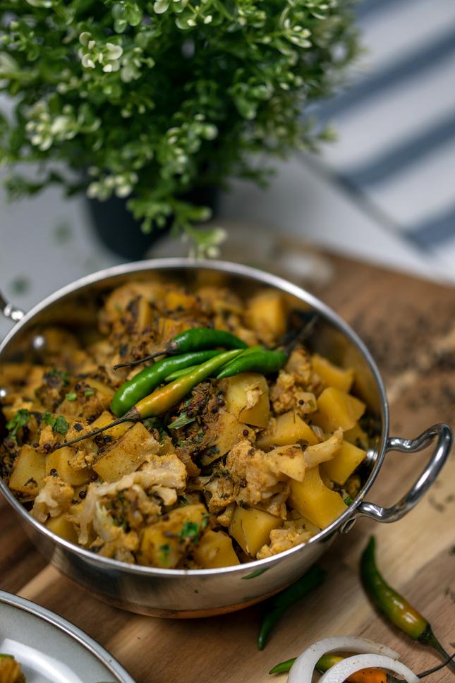 Instant Pot Aloo Gobi (Potato & Cauliflower Curry)