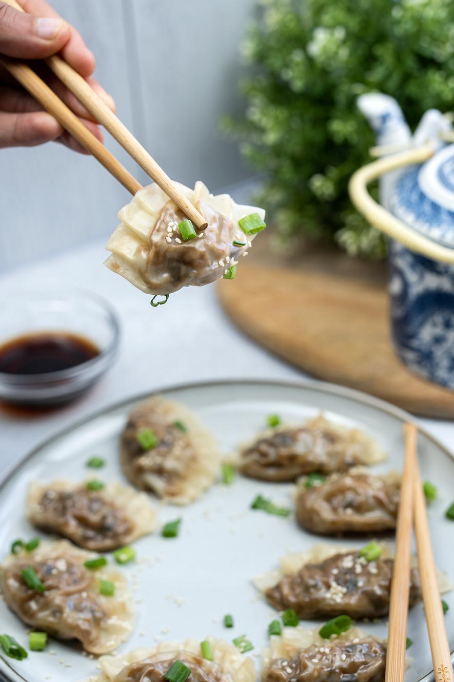 Easy Steamed Vegan Dumplings