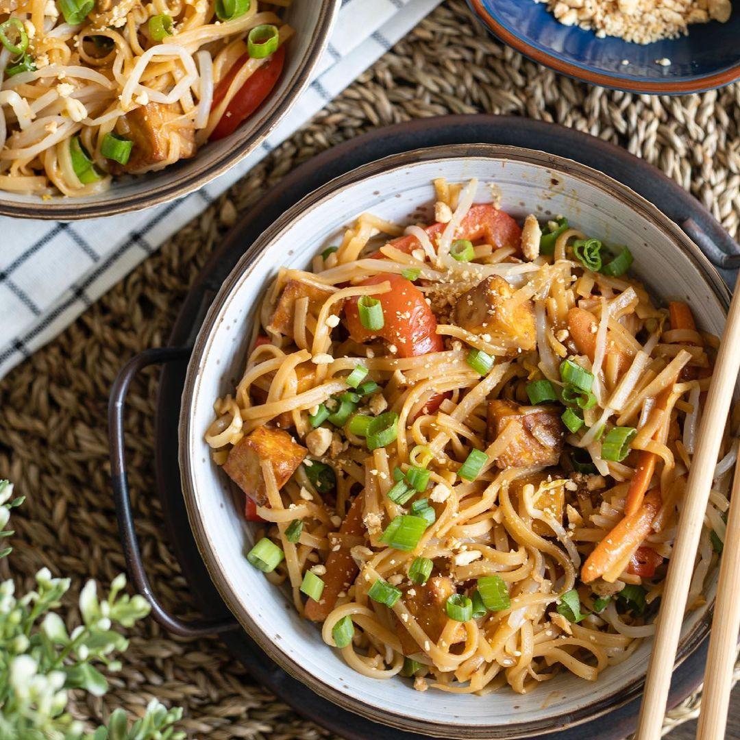 Vegan Pad Thai with Tofu
